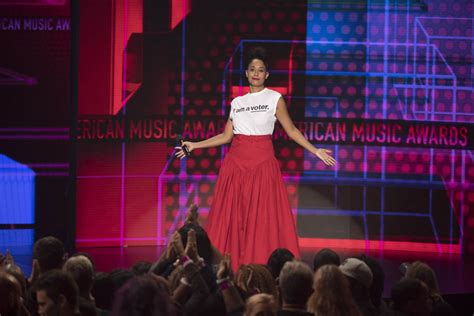tracee ellis ross ama dance tracee ellis ross hosts 2018 american music awards