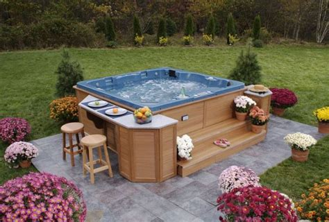 Tub Backyard by Best 25 Outdoor Tubs Ideas On