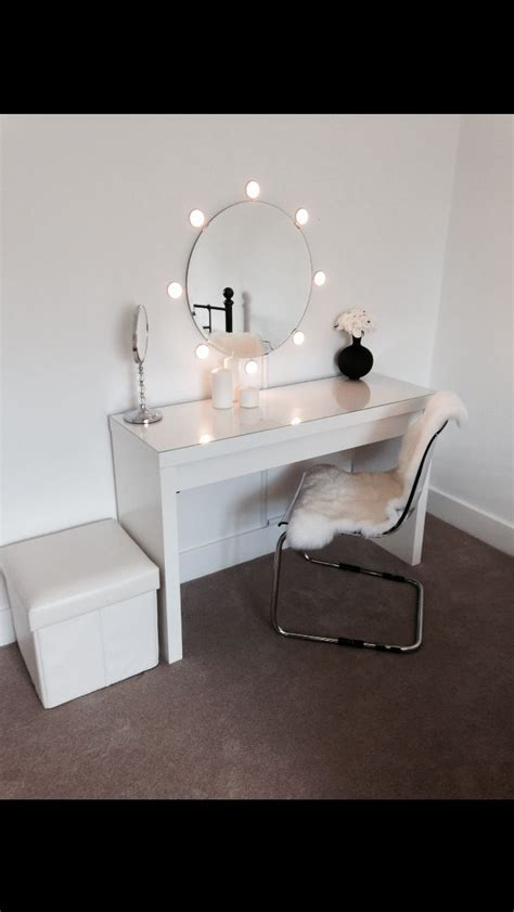 malm dressing table with mirror and lights