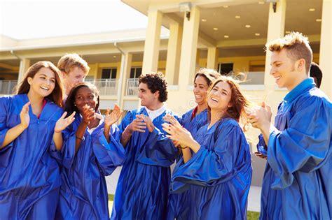 imagenes gratis estudiantes grupo de estudiantes de la high school secundaria que