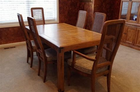 Henredon Dining Table And Chairs Henredon Dining Table With Two Leaves And Six Chairs Ebth