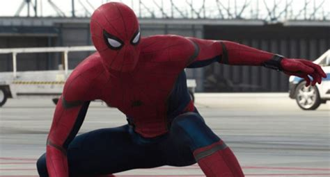 civil war spiderman spider man almost had a different look for captain america civil war