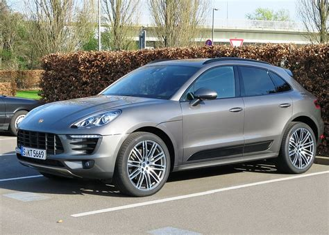 Porsche Of by Porsche Macan