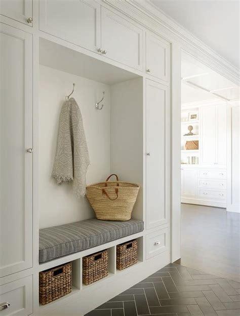 decor ideas   narrow hallways  bigger small