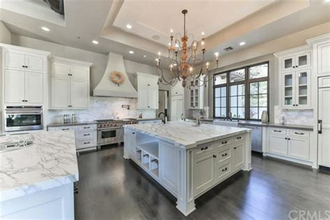 famous kitchens 60 stunning celebrity kitchen designs photo gallery
