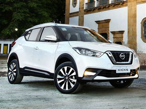 nissan kicks 2017 price frenteafrente nissan kicks vs mazda cx 3 dos suv light
