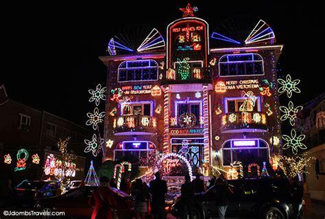christmas lights in brooklyn tour dyker heights christmas lights tour luxe adventure traveler