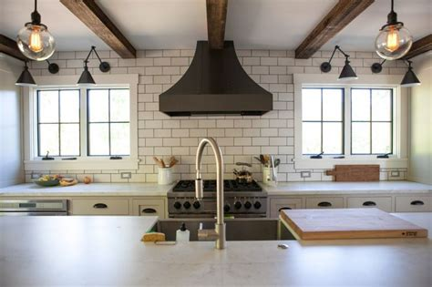 modern farmhouse kitchens rustic modern farmhouse 187 birdman inc locations scouting