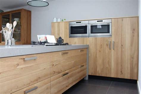 keuken massief hout greeploze keuken massief houten fronten google zoeken