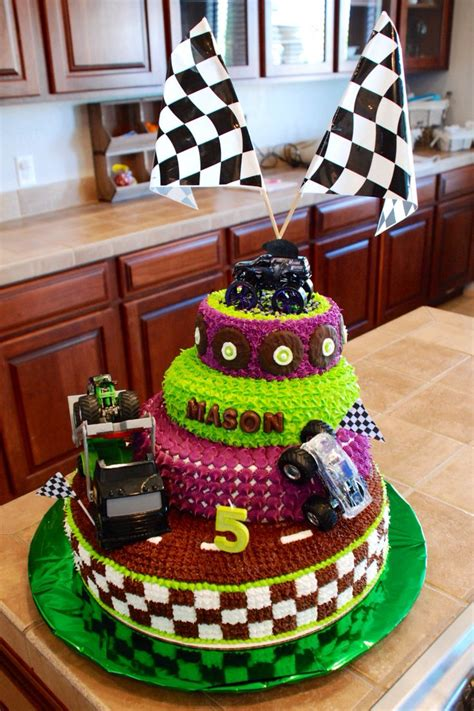 grave digger monster truck birthday party supplies monster truck grave digger cake this ones for the boys