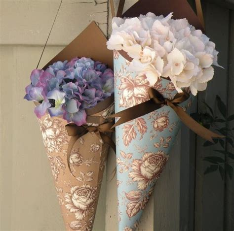 paper cones for wedding flowers 17 best images about wedding wallpaper decor on