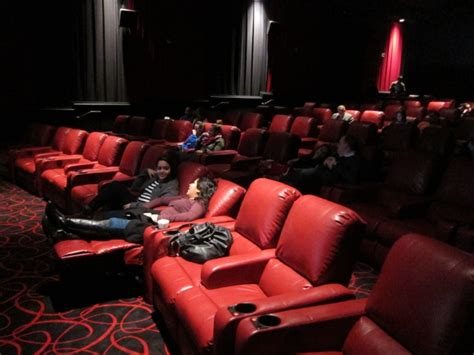 reclining movie theater seats to lure moviegoers amc theaters installs recliners