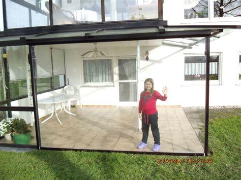 wetterschutzrollo terrasse aussenrollos textiler sonnenschutz f 252 r ihre fassade