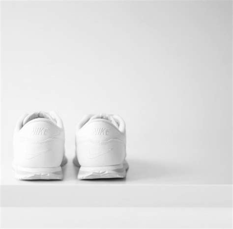 5 Beautiful White Things by White Nikes On