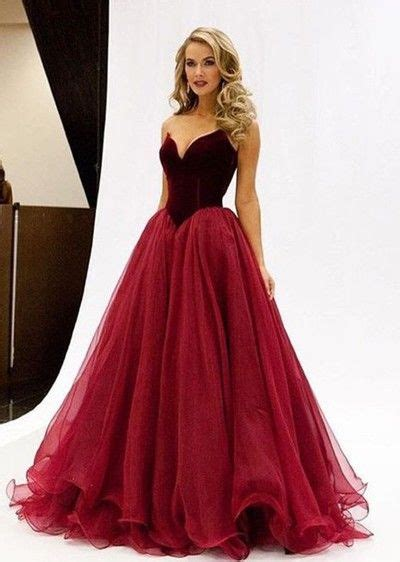 Sex in ball gowns
