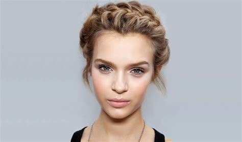 Crown Hairstyles by 30 Roryal Crown Braid Styles For The Modern Goddess