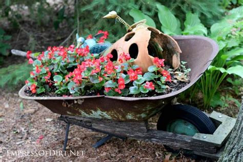 Creative Garden Planters by Creative Garden Planters With Wheels Empress Of Dirt