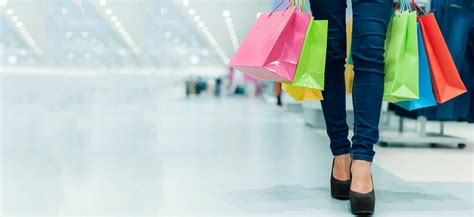 Signs Youre A Shopaholic by 9 Signs You Re A Shopaholic And Quite Happy About It