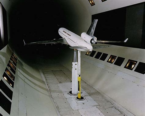 airplanes testo what are wind tunnels nasa