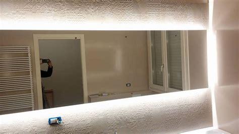 illuminazione led per specchio bagno specchio bagno con led zottoz lade bagno specchio