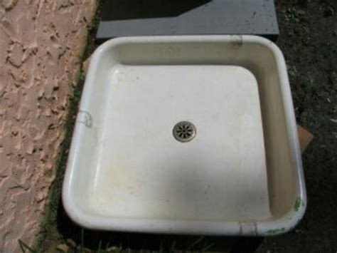 Vintage Shower Pan by Fix Antique Faucets In Vintage Houses And Showers Toilets