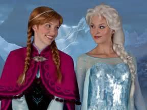 Meet Anna Elsa Frozen Disney Parks Rotoscopers