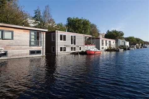 bed en breakfast boot amsterdam dobberen in een bed breakfast op een boot bed and