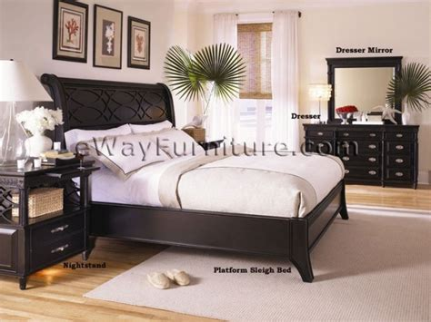 Black Sleigh Bedroom Set by Black Platform Sleigh Bed Master Bedroom Set
