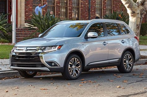 mitsubishi outlander 7 2017 mitsubishi outlander receives iihs top safety pick