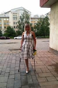 leg amputee women crutches image gallery photogyps
