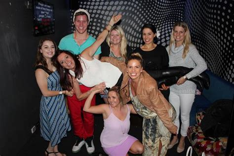 sydney entertainers christmas party bop till you drop