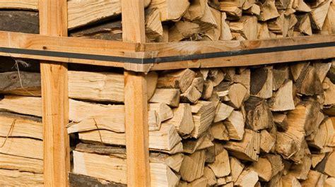 holz haustã ren kaufen brennholz lagern holz fachgerecht und platzsparend als