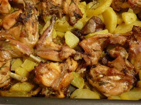 come cucinare il coniglio al forno con patate coniglio al forno con le patate