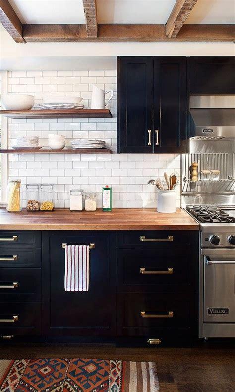 metropolitan home kitchen design 25 melhores ideias sobre cozinhas industriais no