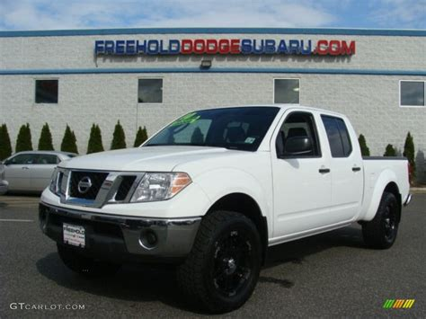 white nissan frontier 2010 avalanche white nissan frontier se crew cab 4x4