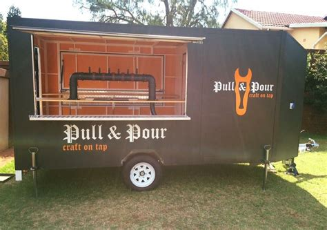 pull pour  mobile bar  specializes  craft beer