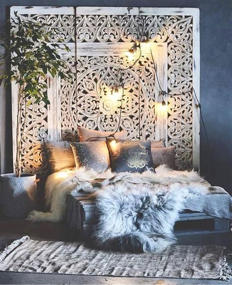 Boho Chic Headboards by 20 Tips To Turn Your Bedroom Into A Bohemian Paradise