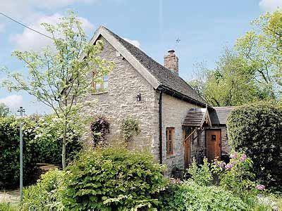 garden cottage much wenlock crabapple peace in stanton much wenlock shropshire