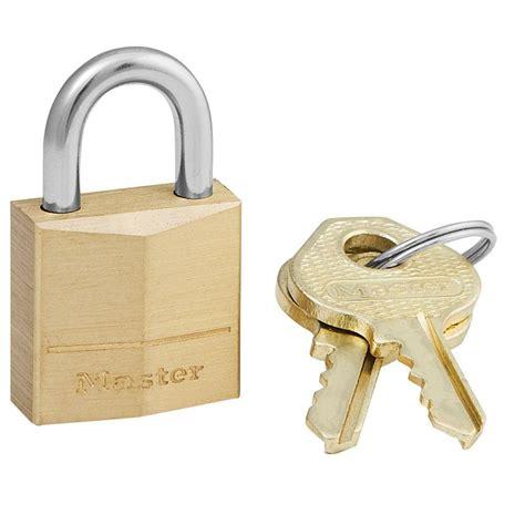 cadenas master hardened master lock 3 4 in solid brass padlock 120kad the home