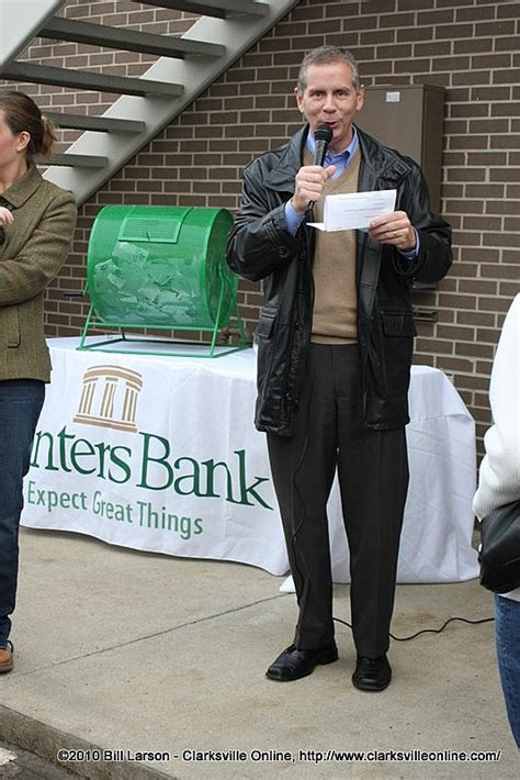 planters bank clarksville tn joe pitts planter s bank s vice president of business