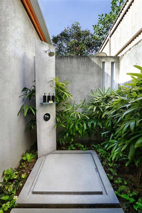 Outdoor Shower Drainage by 50 Stunning Outdoor Shower Spaces That Take You To Paradise
