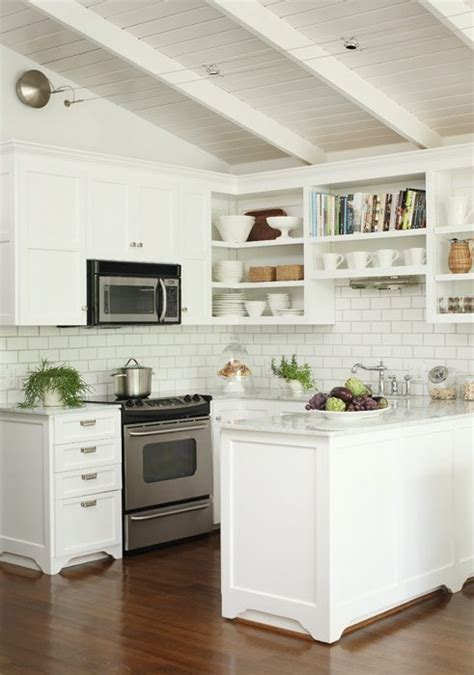 Kitchen Tile Backsplash Ideas With White Cabinets by Decoraci 243 N De Cocinas Peque 241 As