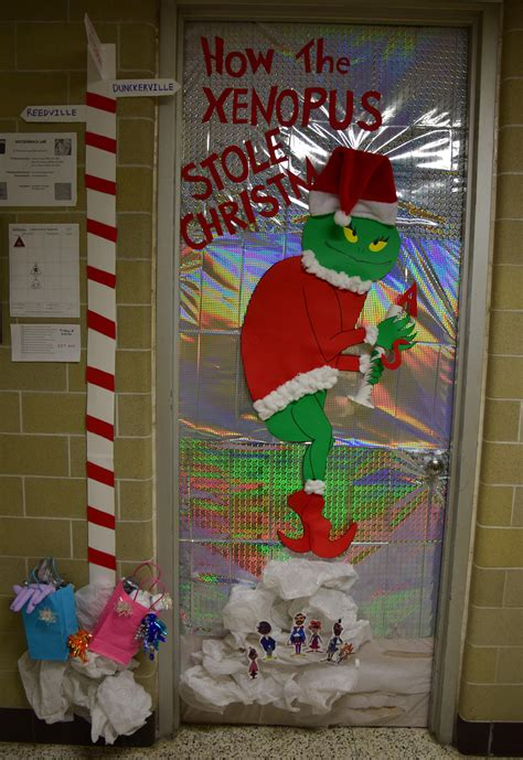 med lab christmas door rooney lab wins hallway competition for the second consecutive year department of