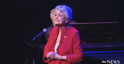beauty and the beast angela lansbury free mp3 download angela lansbury sings beauty and the beast at 25th