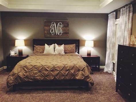 bedroom wall ideas pinterest 42 farmhouse style master bedroom decorating ideas