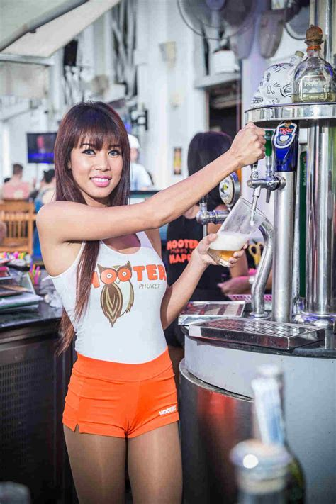 hooters girls hooters asia
