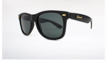 Kacamata Gaya Cewekcowok 6 7 kacamata gaya pria yang paling terkenal info seputar kacamata