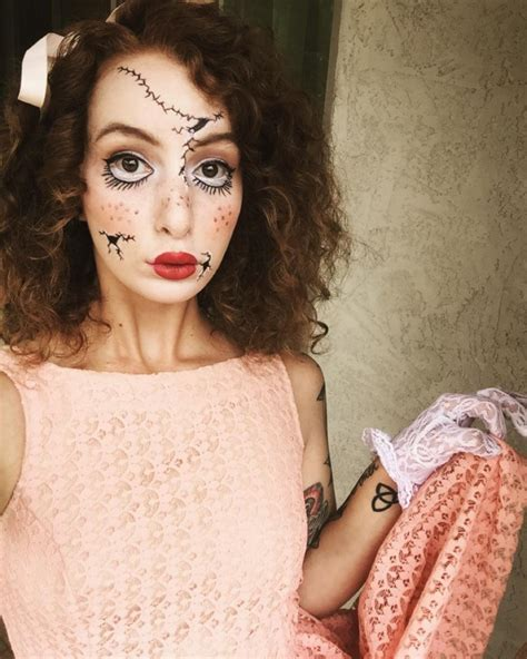 halloween hairstyles for curly hair 16 amazing curly halloween costume ideas