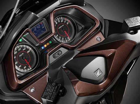 Pcx 2018 Velocidade by Forza 125 2015