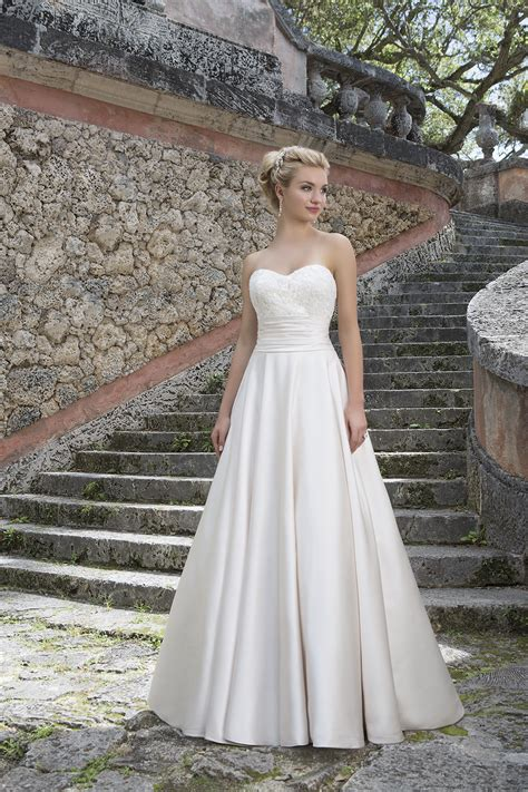 hochzeitskleid nähen 3877 wedding dress from sincerity bridal hitched co uk